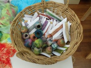 Fibre reactive dyeing cotton threads with Sara Quail